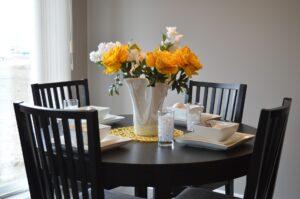 Ovale spiseborde og HAY tæpper – alt i kvalitet til boligen hos ILVA Max Jessen Terndrup