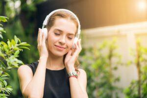 Trådløse høretelefoner til børn og voksne – Guide