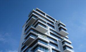Udvendig solafskærmning og vinduesmarkiser